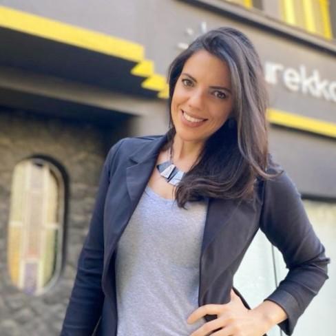 Rebeca Calheiros Plech